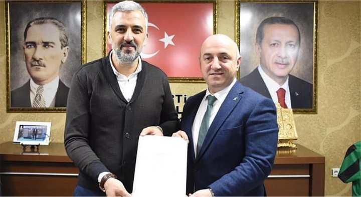 AK Parti'de İlçe Başkanları istifa etti