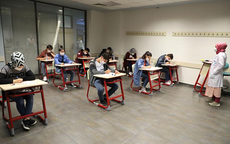 Akademi Lise giriş sınavları yapıldı