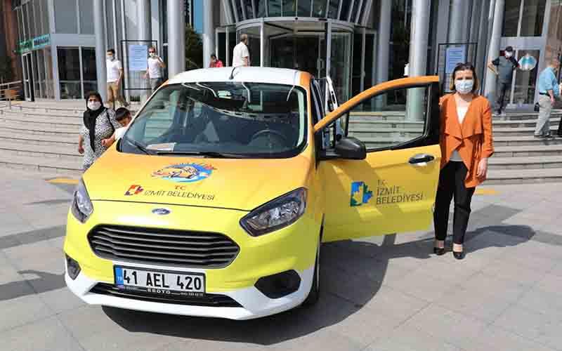 Anne Taksi uygulaması İzmit'te başladı