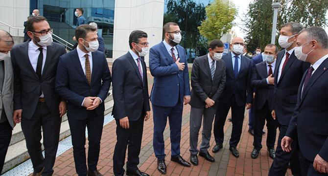 Bakan Selçuk'tan Başkan Büyükakın'a ziyaret