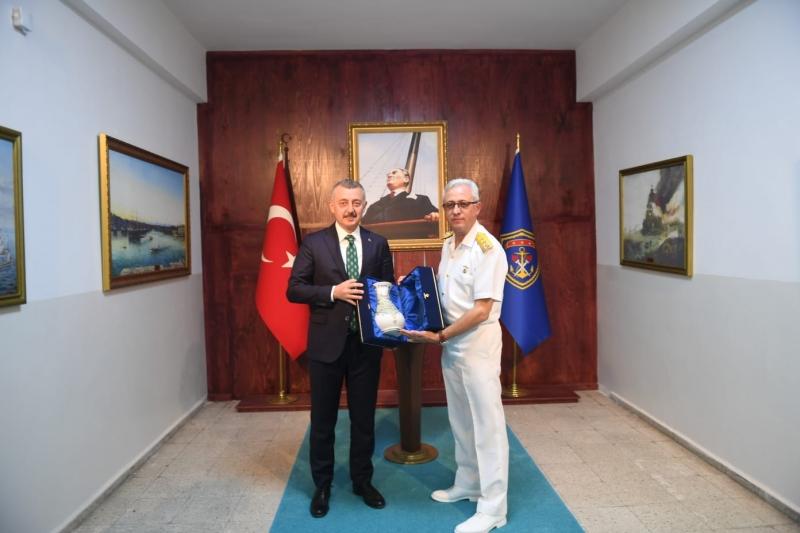 Başkan Büyükakın, Tümamiral Gedik'i ziyaret etti