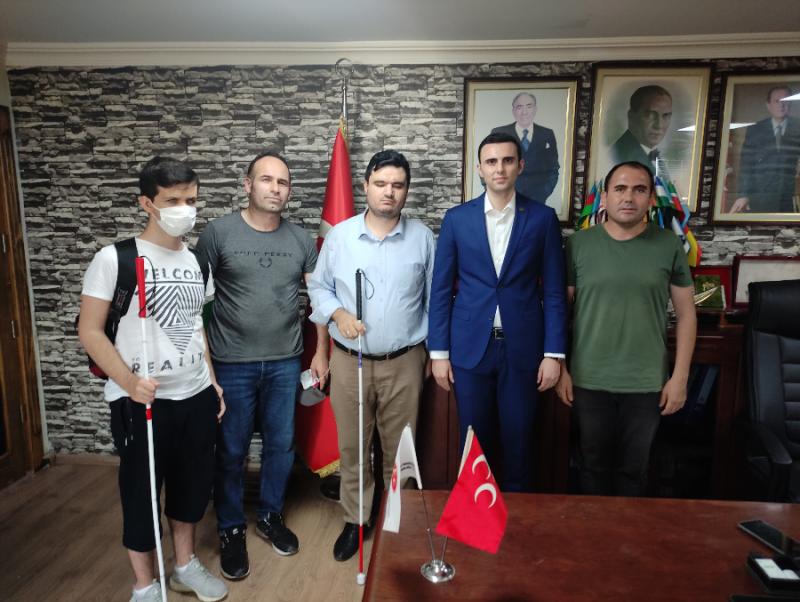 BEYAZAY' dan MHP'ye Ziyaret