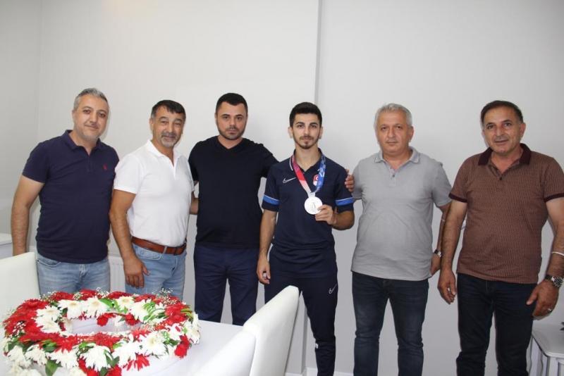 CHP Darıca'dan Eray Şamdan'a ziyaret