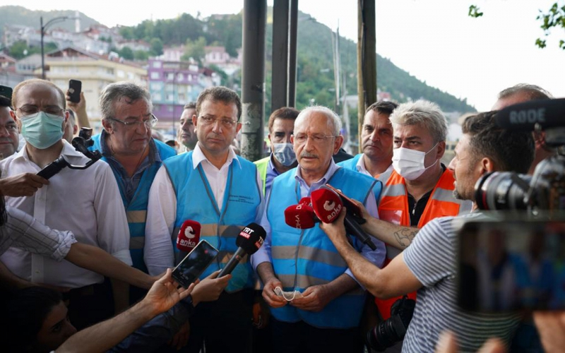 CHP'liler felaketi yaşayan Sinop Ayancık'ta