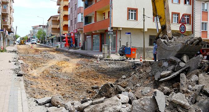Darıca Battalgazi Caddesi'nde üst yapı çalışması