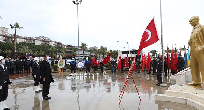 Darıca'da Çanakkale Zaferi'nin 106. yılı kutlandı