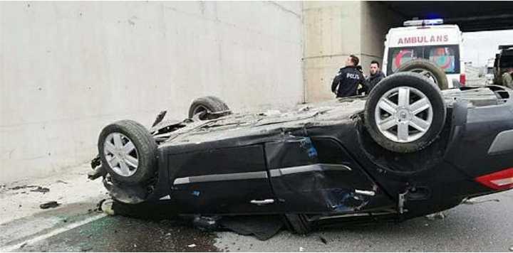 Gebze'de iki araç çarpıştı