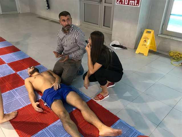 Havuz personeline ilk yardım eğitimi