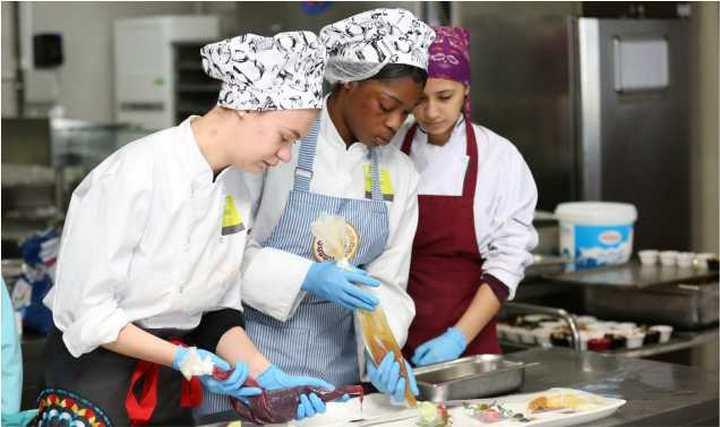 Hollandalı öğrenciler Türk mutfağını Kocaeli'de öğreniyor