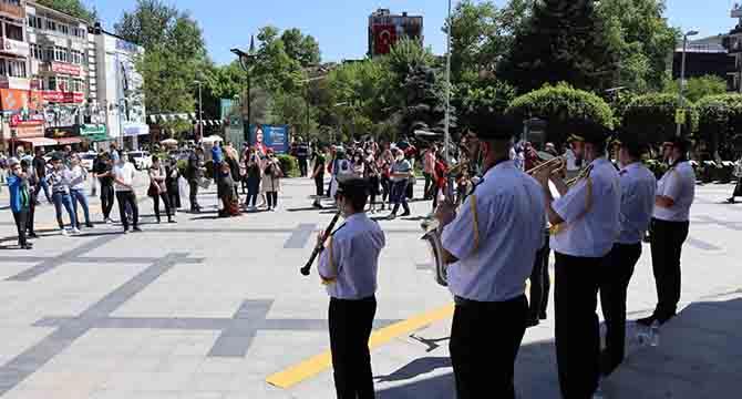 İzmit Belediye Bandosu kulakların pasını sildi