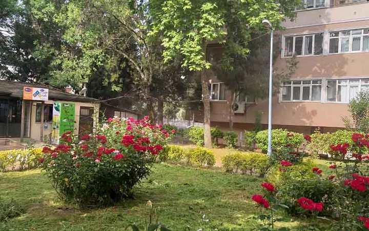 İzmit'te, Şehitler Parkı'na özel bakım