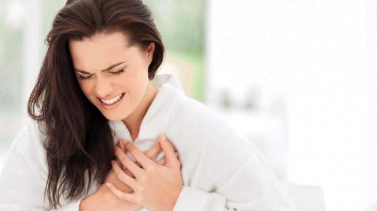 Kadınların Kalbi  Tehlikede! Belirtiler Çok Farklı!