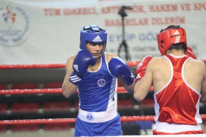 Kağıtsporlu boksörlerden, Türkiye Şampiyonası'nda 3 madalya