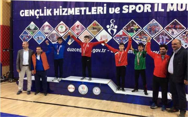 Kağıtsporlu yedi güreşçi  Türkiye Şampiyonası biletini kaptı