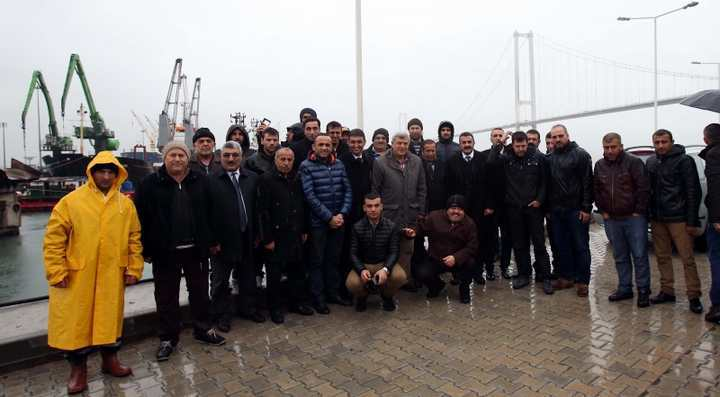 Karaosmanoğlu, Dilovası'nın balıkçılarını ziyaret etti