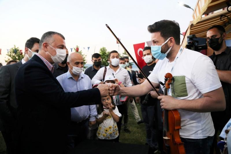 """""""Kocaeli Yerel Müzisyenler Şenliği"""" ile"""