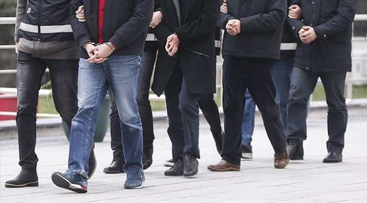 FETÖ operasyonu: 9 tutuklama