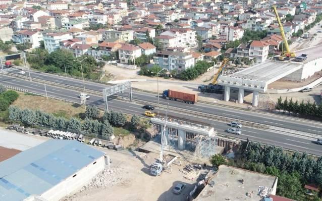 Kocaeli'de Otoyol Geçiş Köprüsü yapılıyor