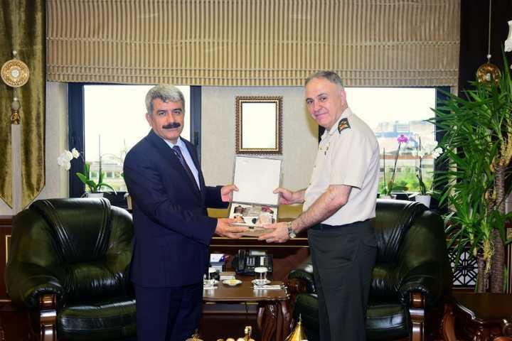 Korgeneral Metin Gürak'tan, Rektörümüze Veda Ziyareti