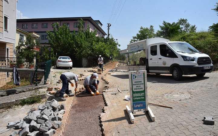 Kuruçeşme sokaklarında, parke taşları yenileniyor