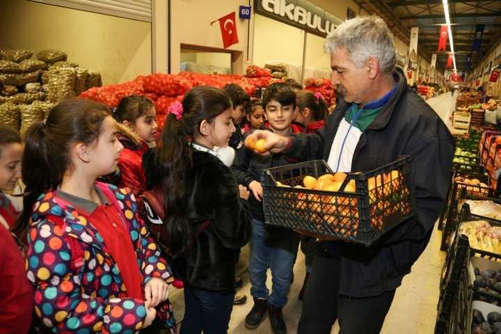 Meyve ve Sebze Hali'ne anlamlı ziyaret