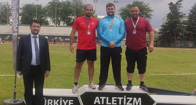 Özel sporcudan iki altın madalya