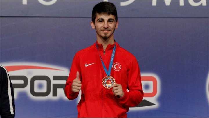 Şamdan Altın Madalya Kazandı