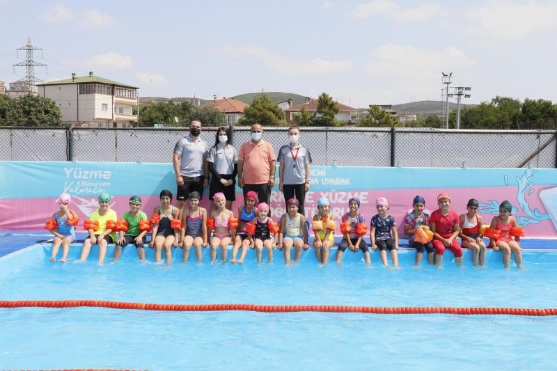 Söğüt'ten minik yüzücülere ziyaret