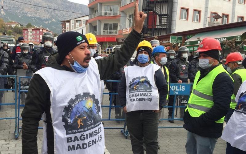 Somalı maden işçileri eylem dönüşü kaza geçirdi: 2 ölü