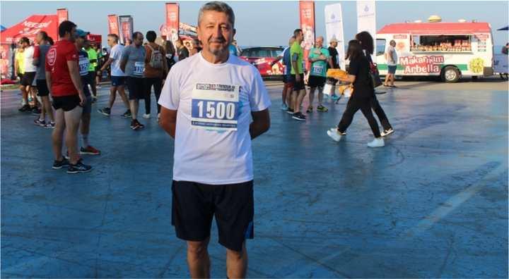 Şükür, Kadıköy - Caddebostan'da koştu.