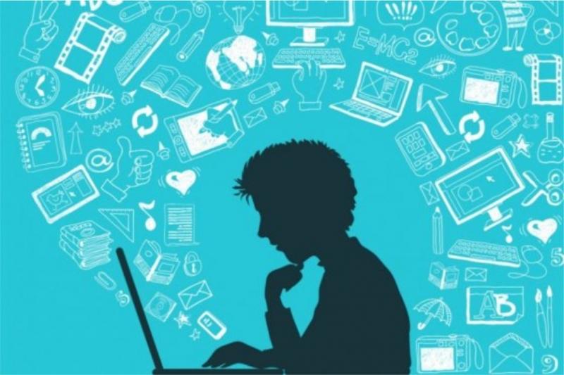 Tatilde İnternet Bağımlılığın Önüne Geçmek İstiyorsanız Çocuğunuzla Birlikte Vakit Geçirin