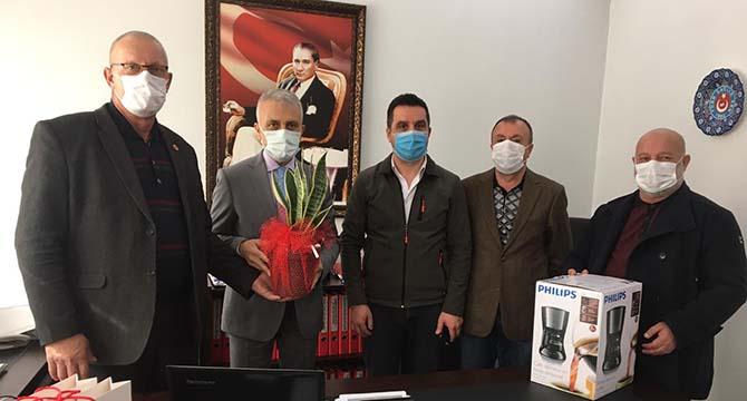 Türk Sağlık Sen'in 14 Mart Tıp Bayramını kutladılar