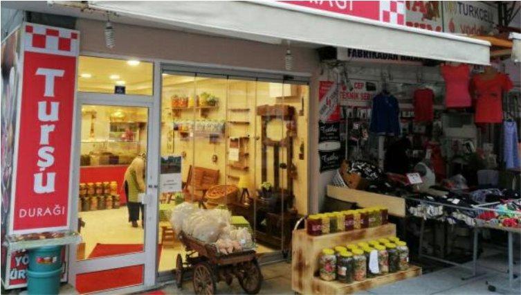 Turşu ürünlerini Gebze'lilerle buluşturuyor