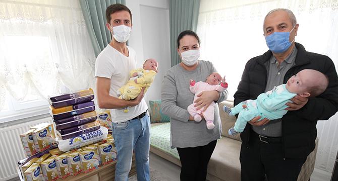 Üçüz Bebeklere Ziyaret
