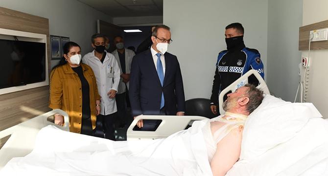 Yavuz Çifti, Yangında Yaralanan Hastaları Ziyaret Etti