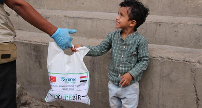 Yemen'li yetimler İDEBİR ile Mutlu oldu