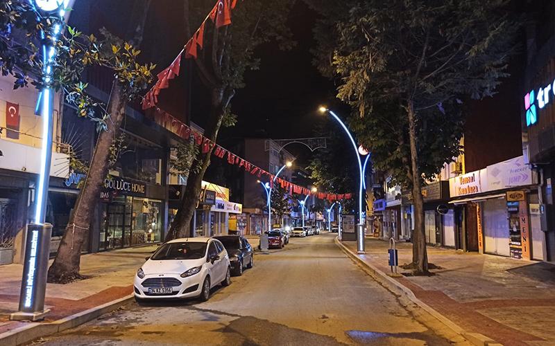 Zincirlikuyu Caddesi ışıl ışıl oldu