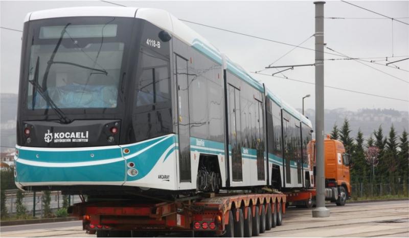 18'inci tramvay raylara indirildi