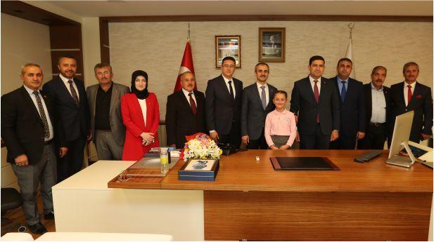 Başkan Çiftçi, Başkanlık Koltuğunu Belinay Polat'a Devretti