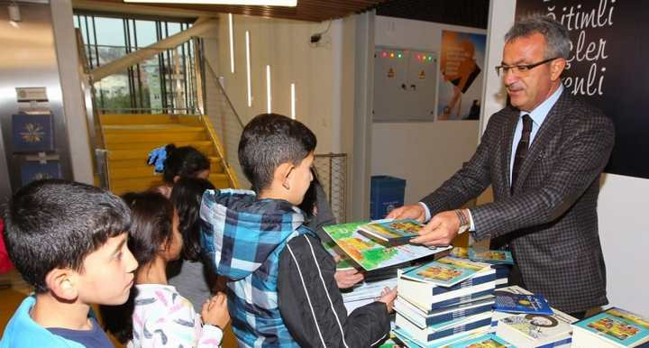Başkan Köşker'den Kütüphaneler Haftası Mesajı