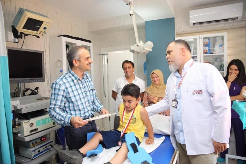 Çiftçi'den çocuklara ziyaret,Derman Tıp'a teşekkür