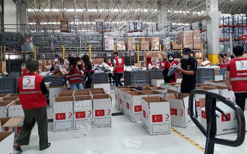 Türk Kızılay Darıca Şubesi yardıma gitti