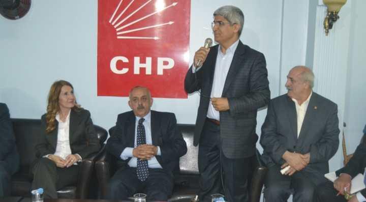DİLOVASI CHP'DE KAYNAŞMA TOPLANTISI