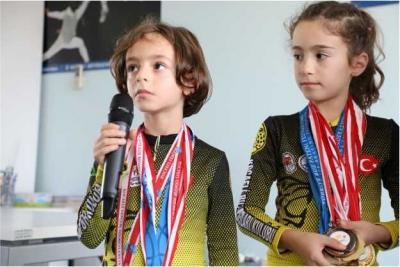 3 yılda 24 madalya