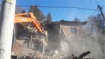 5 bina yıkıldı