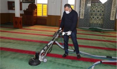 82 Cami Temizleniyor
