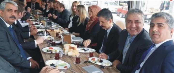 Eğitimciler yemekte buluştu