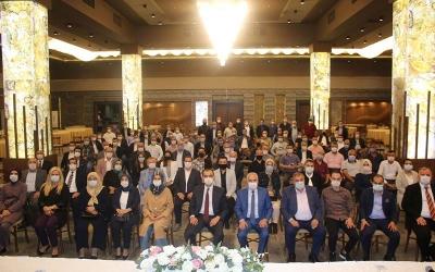 AK Parti İzmit'te safları sıklaştırıyor