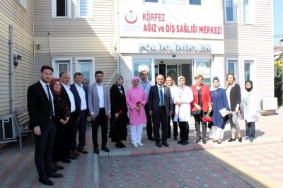 AK Parti Körfez'den Hemşirelere Çiçek