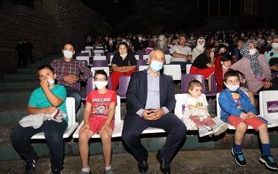 Başkan Büyükgöz Çocuklarla İzledi